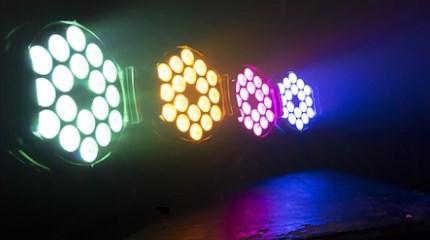 【専門家監修】LED美顔器の色による効果をわかりやすく解説!リフトアップやニキビに効果的なLED美顔器の選び方とは?