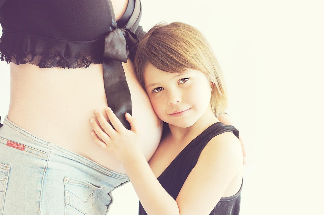 美顔器は妊娠中に使用しても赤ちゃんに影響は出ない?